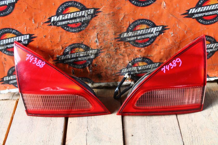 Стоп-вставка Nissan Wingroad Y11 задняя правая (б/у)