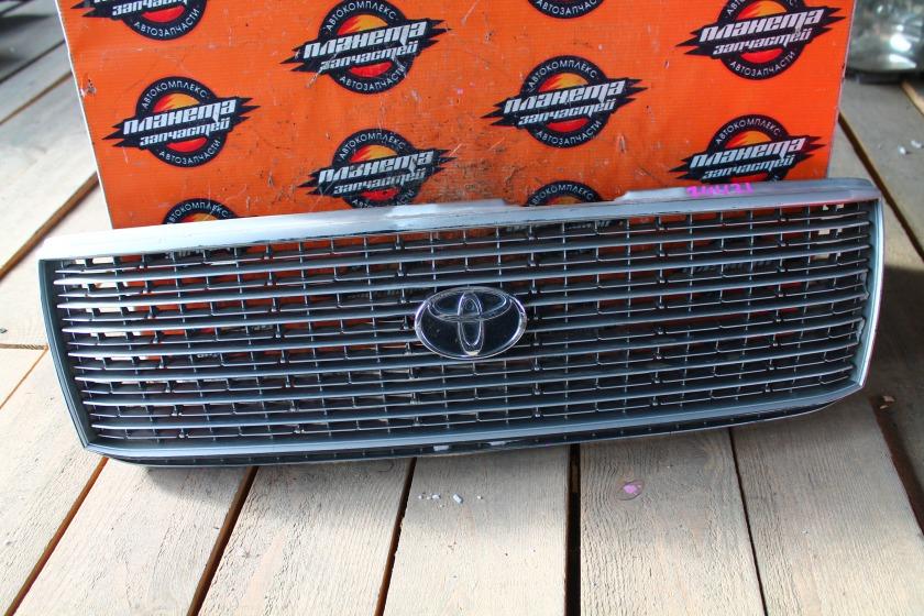 Решетка радиатора Toyota Crown YXS10 3Y (б/у)