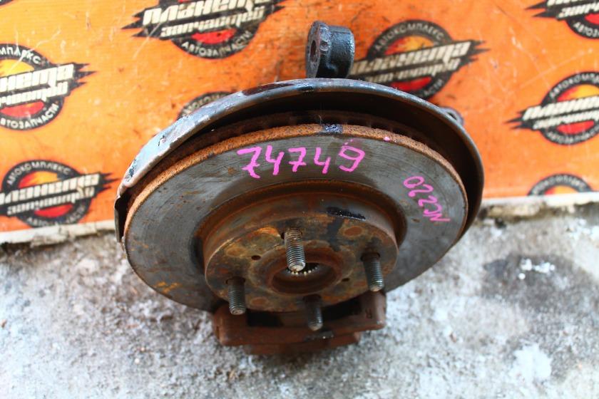 Ступица Toyota Raum NCZ20 1NZ передняя правая (б/у)