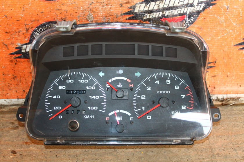 Панель приборов Suzuki Escudo TD01W G16A (б/у)