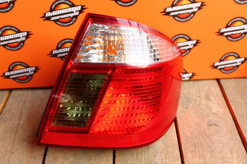 Стоп-сигнал Toyota Premio NZT240 задний правый (б/у)