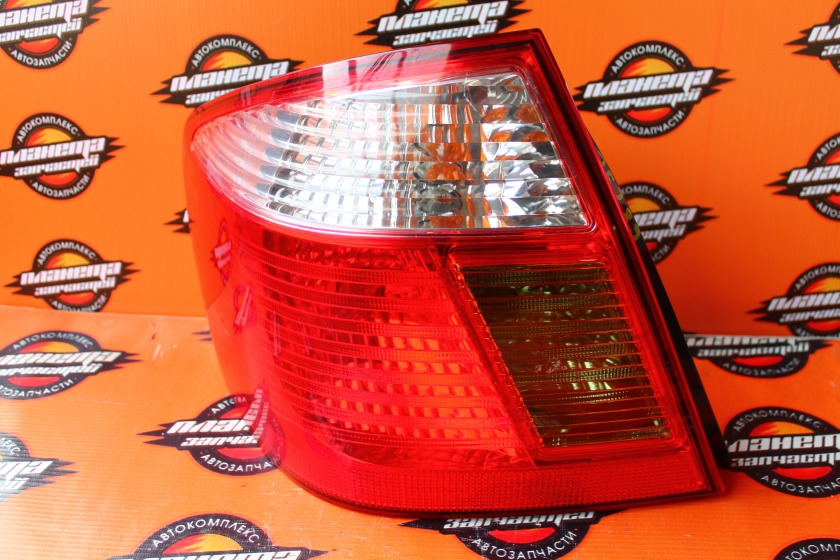 Стоп-сигнал Toyota Premio NZT240 задний левый (б/у)