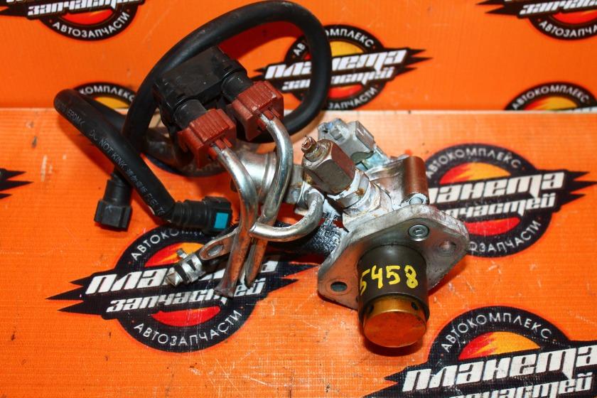 Топливный насос Toyota Land Cruiser URJ202W 1UR (б/у)