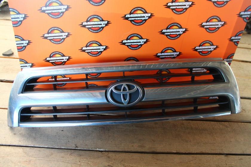 Решетка радиатора Toyota Hilux Surf KZN185 передняя (б/у)