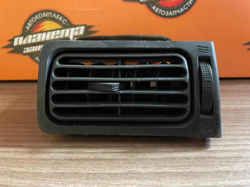 Решетка вентиляционная Toyota Corolla NZE121 (б/у)