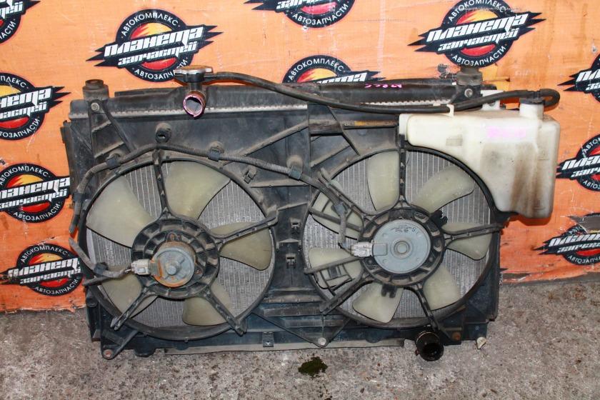 Радиатор основной Toyota Voxy AZR60G 1AZ-FSE (б/у)
