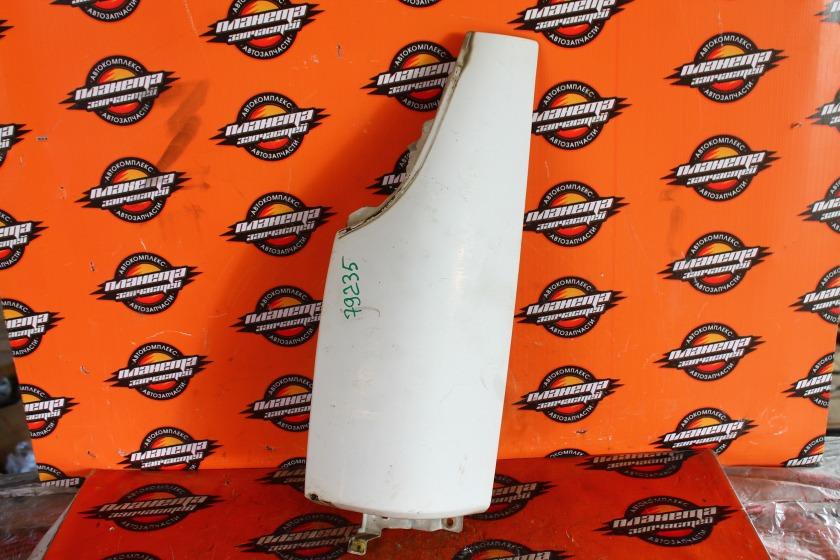 Щека габарита Isuzu Elf NKR66 4HF1 передняя левая (б/у)