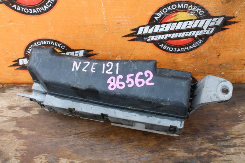 Блок предохранителей Toyota Corolla NZE121 1NZ-FE (б/у)
