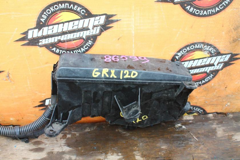 Блок предохранителей Toyota Mark X GRX120 4GR-FSE (б/у)