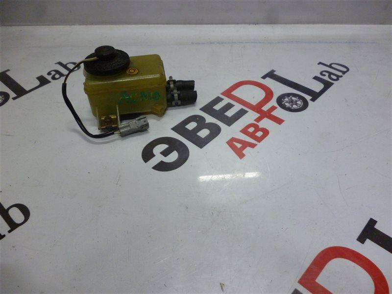 Бачок для тормозной жидкости Toyota Nadia ACN10 1AZ-FSE 2001