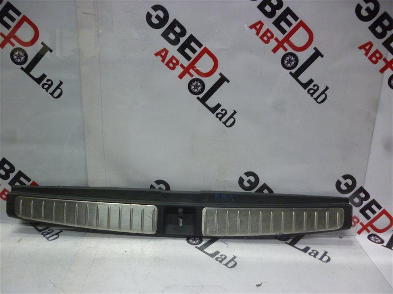 Пластик замка багажника Subaru Legasy BP5 EJ20X 2003