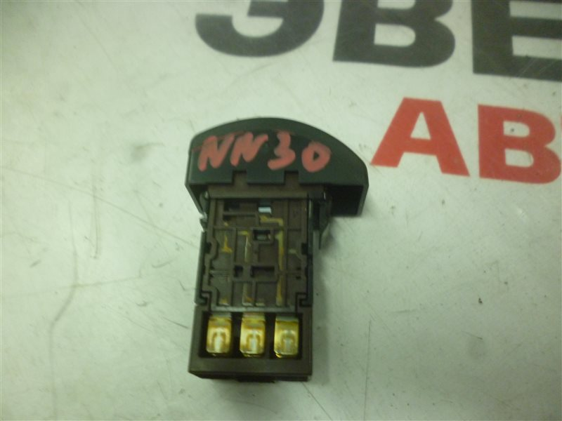 Кнопка обогрева заднего стекла Nissan R'nessa NN30 SR20 (DETI) 1998