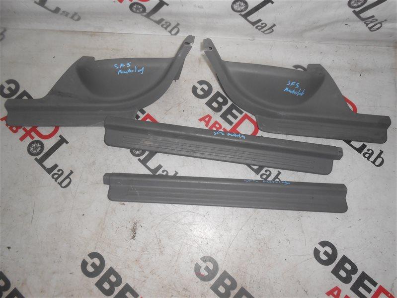 Порожек пластиковый Subaru Forester SF5 EJ205 2001