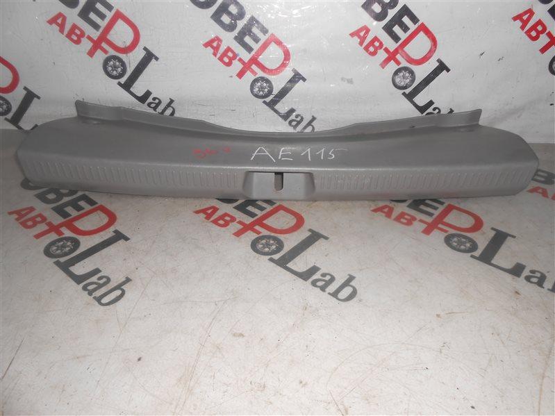 Пластик замка багажника Toyota Spacio AE115 7A-FE 1998