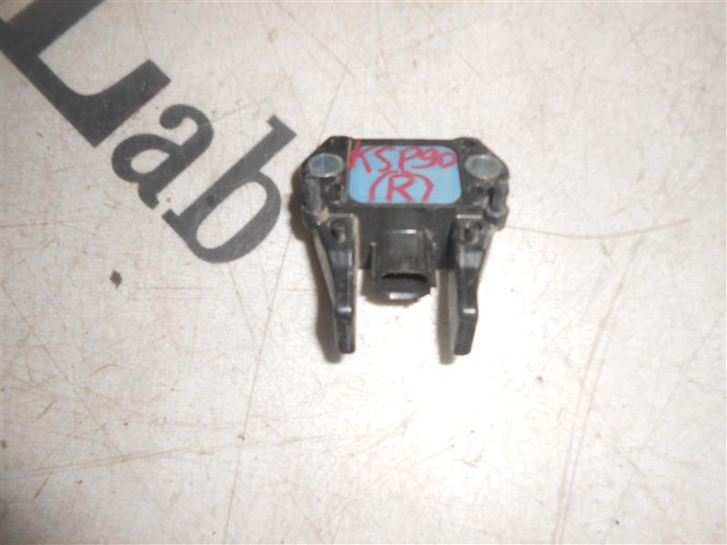 Датчик удара Toyota Vitz KSP90 1KR 2007 правый