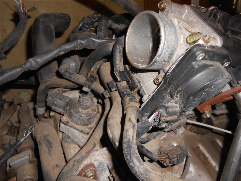 Дроссельная заслонка Nissan Tiida C11 HR15 2006