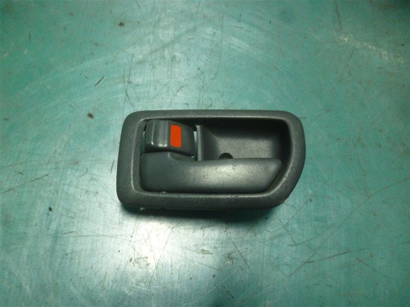 Ручка двери внутренняя Toyota Carina ST215 3S-FE 2000 передняя правая