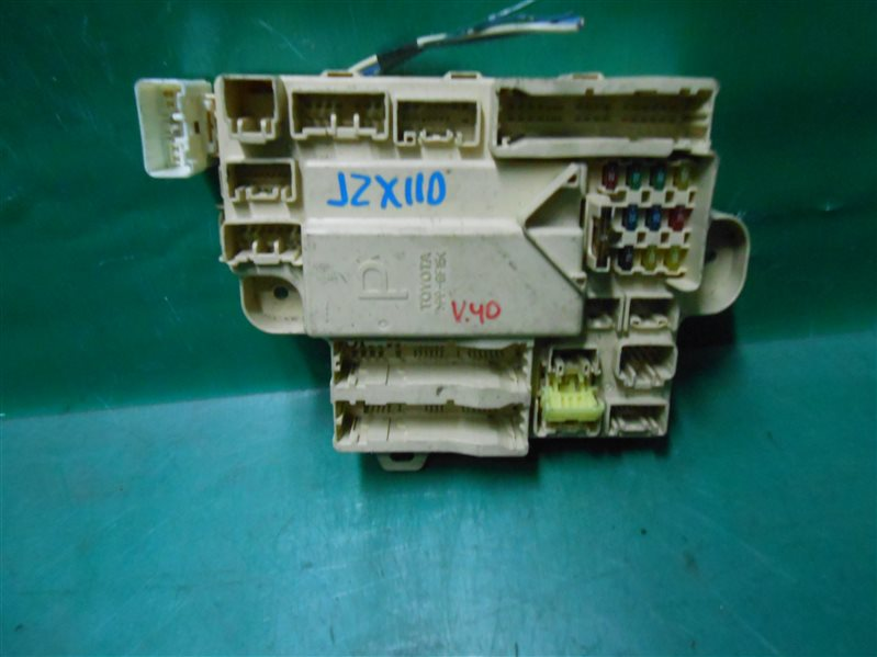 Блок предохранителей салона Toyota Verossa JZX110 1JZ-FSE-D4 2001