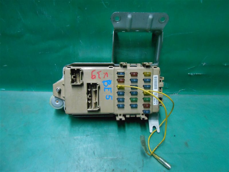 Блок предохранителей салона Subaru Legasy B4 BE5 EJ206 2002