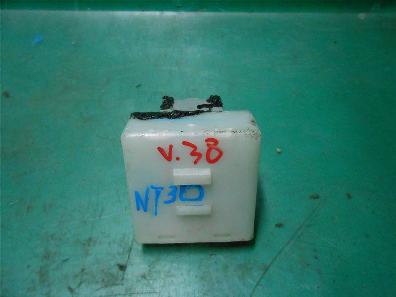 Блок управления замками Nissan X-Trail NT30 QR20(DE) 2002
