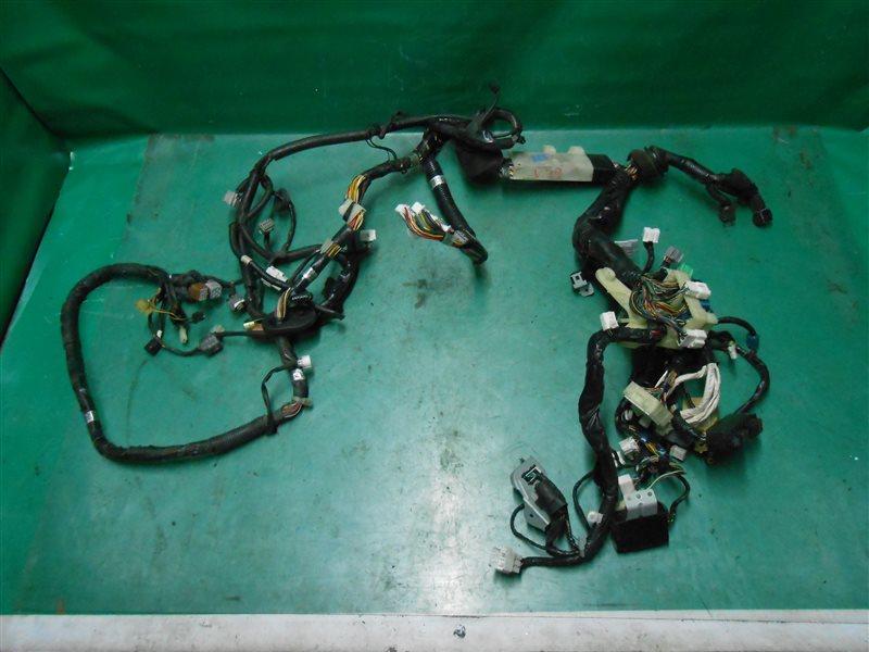 Коса под капот Subaru Legasy B4 BE5 EJ206 2002