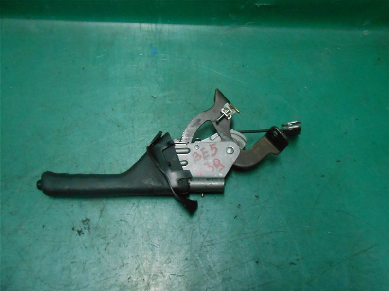 Ручка ручного тормоза Subaru Legasy B4 BE5 EJ206 2002