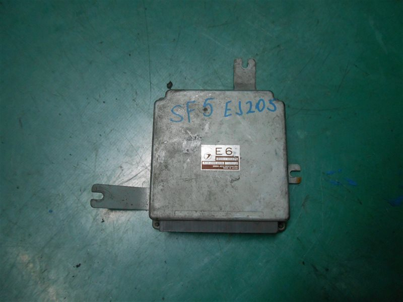 Компьютер Subaru Forester SF5 EJ205 2001