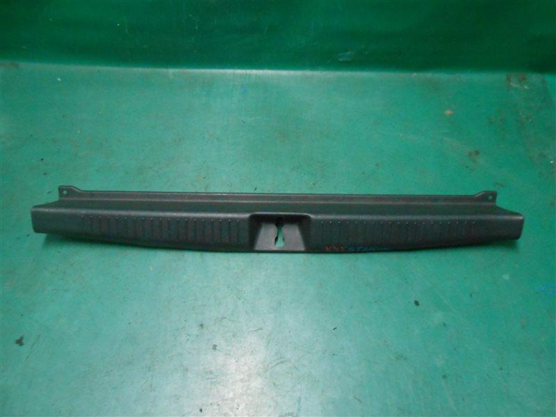 Пластик замка багажника Toyota Caldina ST215 3S-GE BEAMS 1998