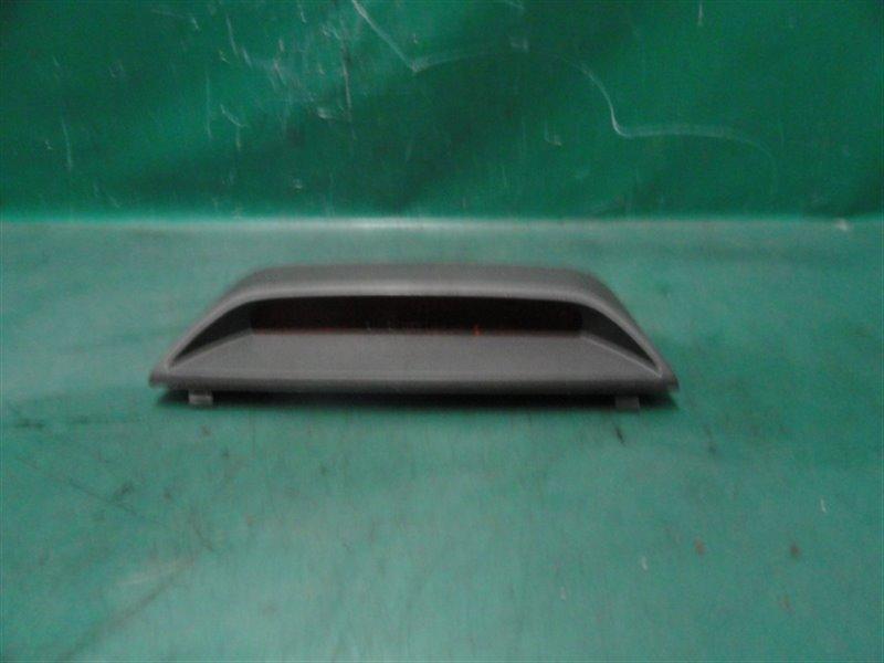 Стоп-сигнал в салоне Toyota Mark Ii JZX100 1JZ-GE 1998