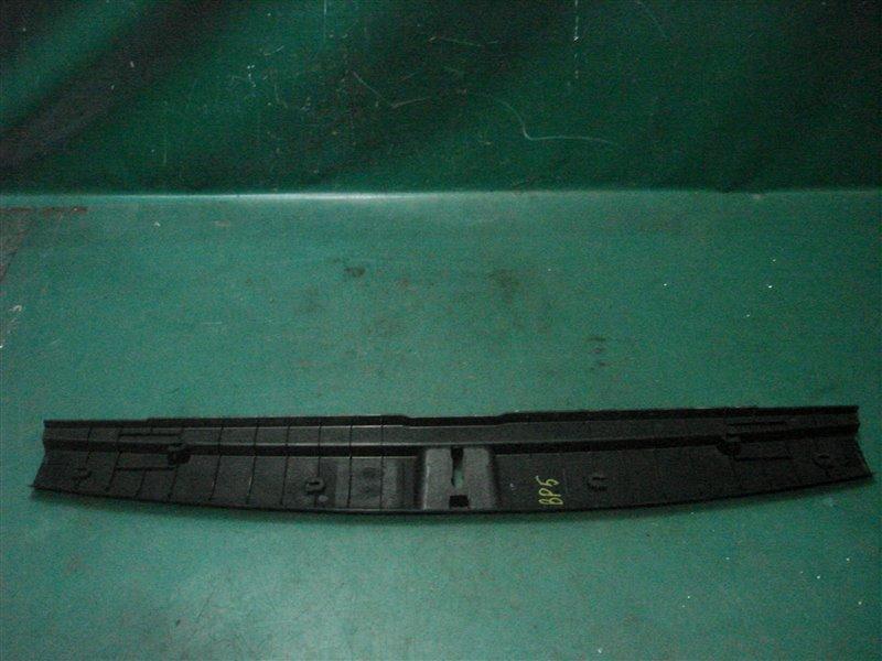 Пластик замка багажника Subaru Legasy BP5 EJ20Y 2003