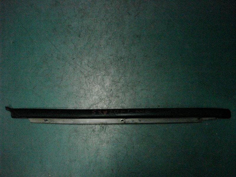 Молдинг лобового стекла Toyota Camry Gracia SXV20 5S-FE 1999 левый