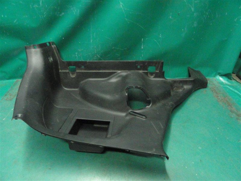 Обшивка багажника Honda Fit GD3 L15A 2002 правая нижняя