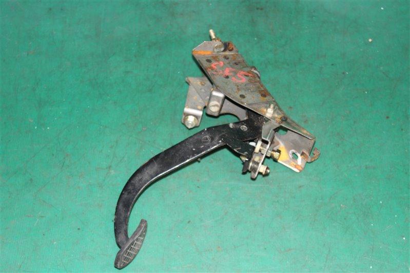 Педаль сцепления Subaru Forester SF5 EJ201 2001