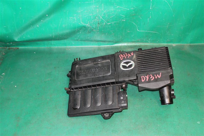Корпус воздушного фильтра Mazda Demio DY3W ZJ-VE 2004