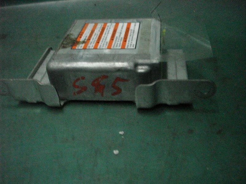 Блок srs Subaru Forester SG5 EJ205 2005