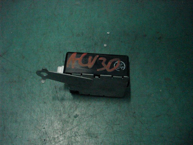 Блок управления дверьми Toyota Camry ACV30 2AZ-FE 2003