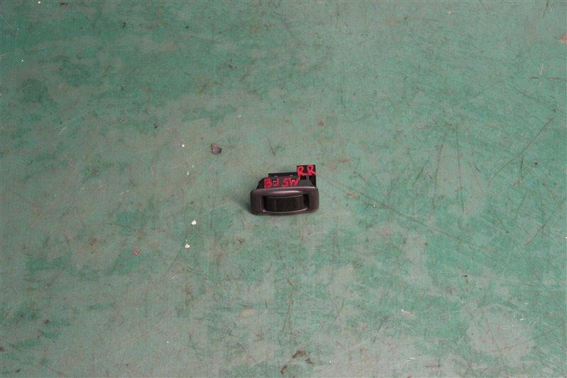 Кнопка Mazda Familia BJ5W ZLVE 2001 задняя правая