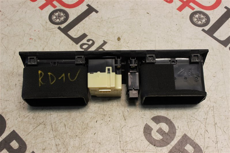 Решетка воздухозаборника Honda Cr-V RD1 B20B 1998