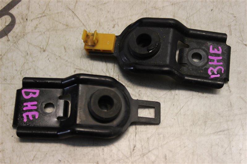 Крепление радиатора Subaru Legasy BHE EZ30 2000