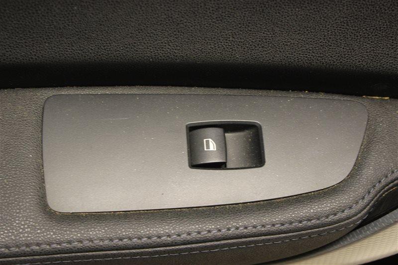 Кнопка стеклоподъёмника Bmw 1 Series E87 N45B16 2007 задняя левая