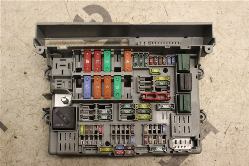 Блок предохранителей салона Bmw 1 Series E87 N45B16 2007