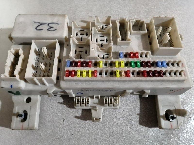 Блок предохранителей Mazda 3 BK Z6 2006 (б/у)