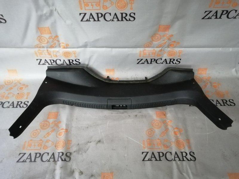 Наклдка задней панели багажника Mazda 3 BK LF 2006 (б/у)