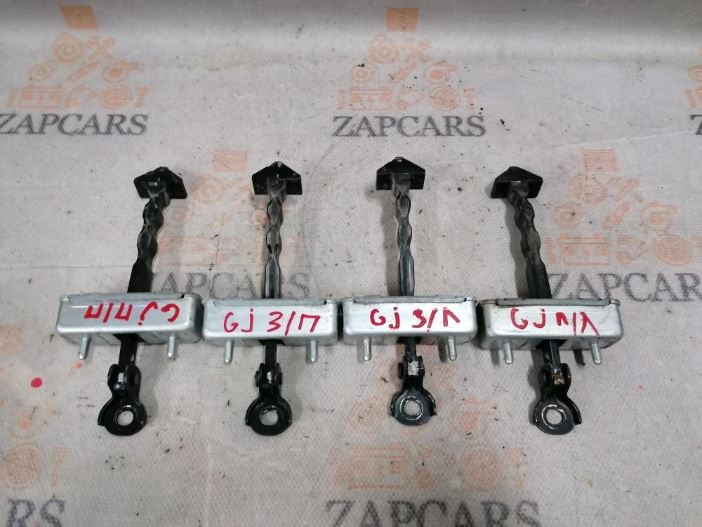 Ограничитель двери Mazda 6 GJ 2013 (б/у)
