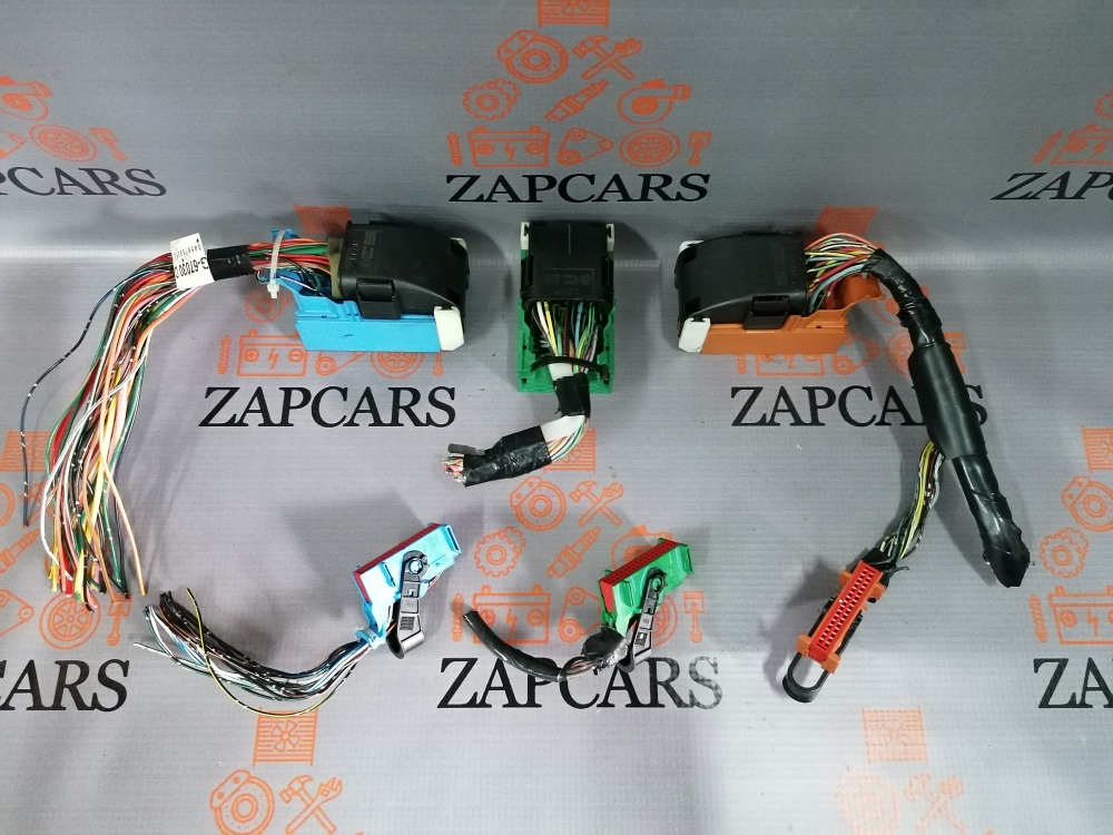 Разъемы салонного блока предохранителей Mazda 3 BK (б/у)