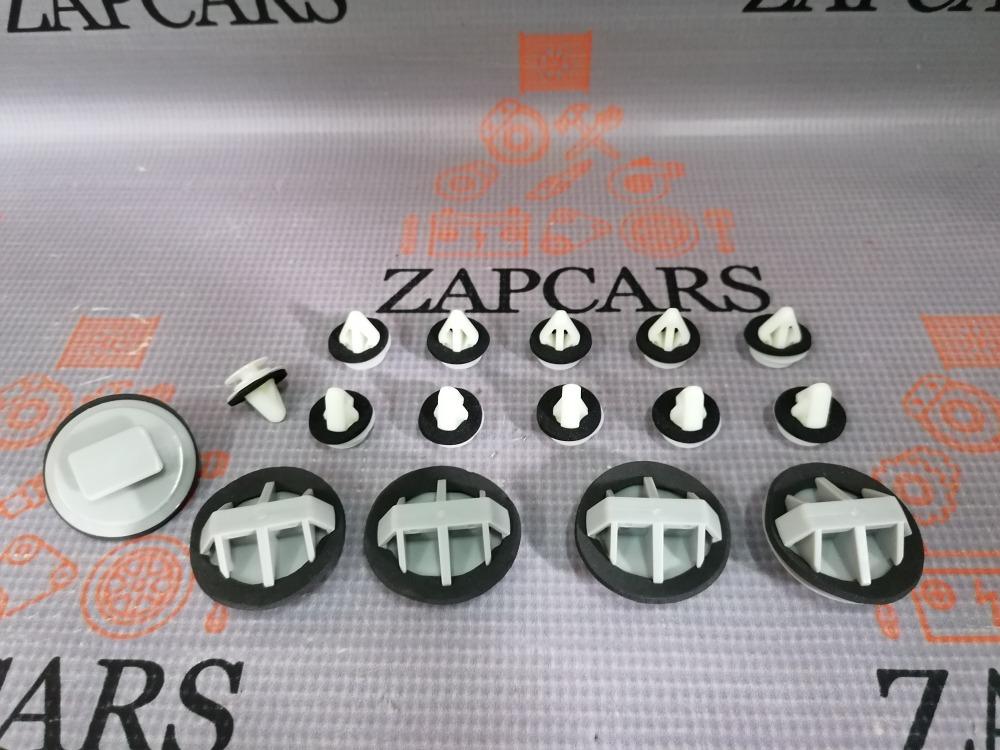 Клипсы крепления порога Mazda 3 6