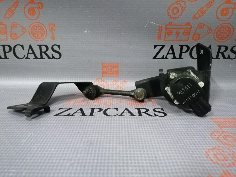 Датчик положения кузова Mazda 3 BL задний (б/у)