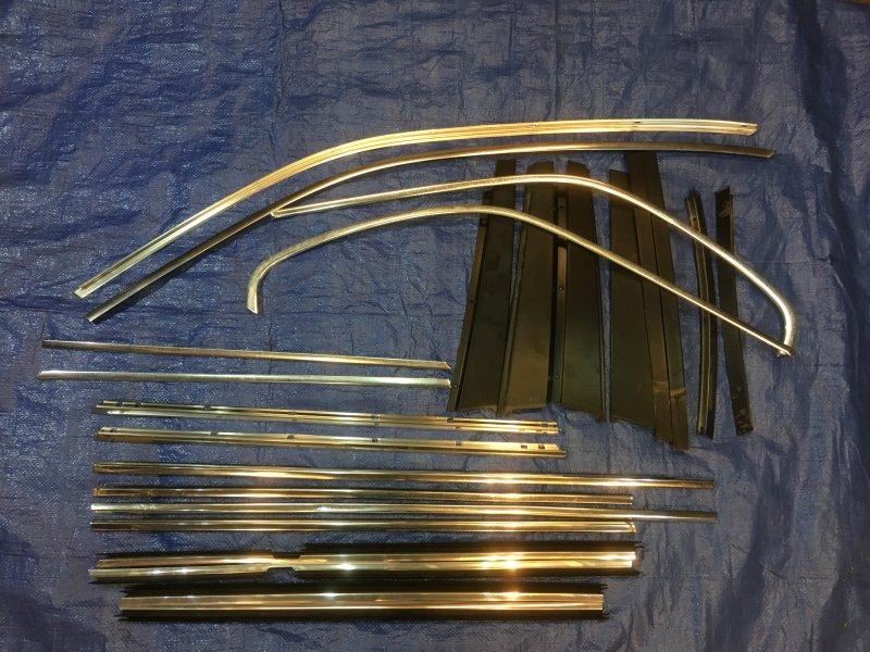 Комплект оконных молдингов Bmw 5-Series (E 39 Touring) E39 M54B30 2001 (б/у)