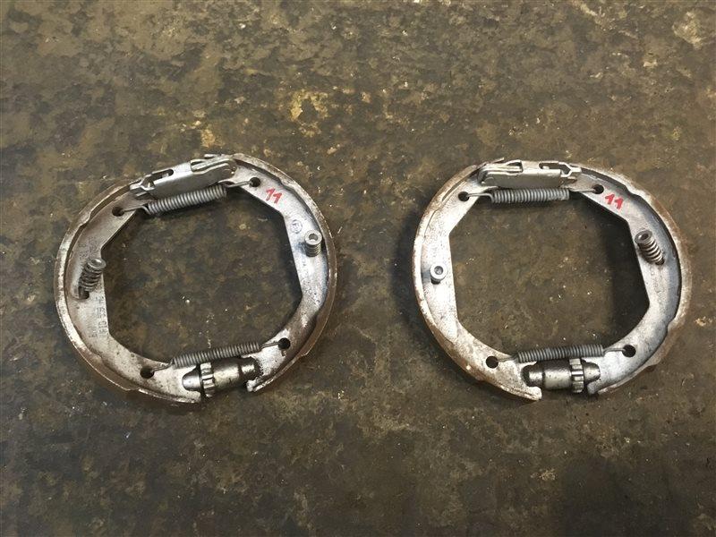 Тормозные колодки ручника Bmw 5-Series (E 39) E39 M54B25 2003 (б/у)