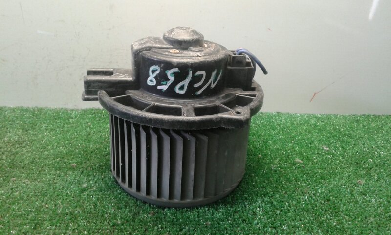 Мотор печки Toyota Probox NCP50V 1NDTV 2002 (б/у)